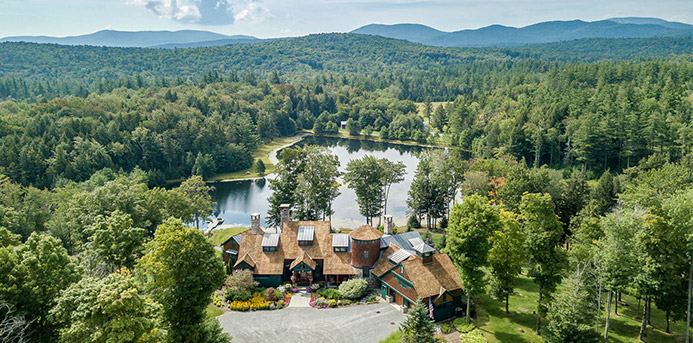 Real Estate: 5 Spectacular Mountain Homes for Sale Around the Country (820 Mountain Road, Stratton, Vermont)